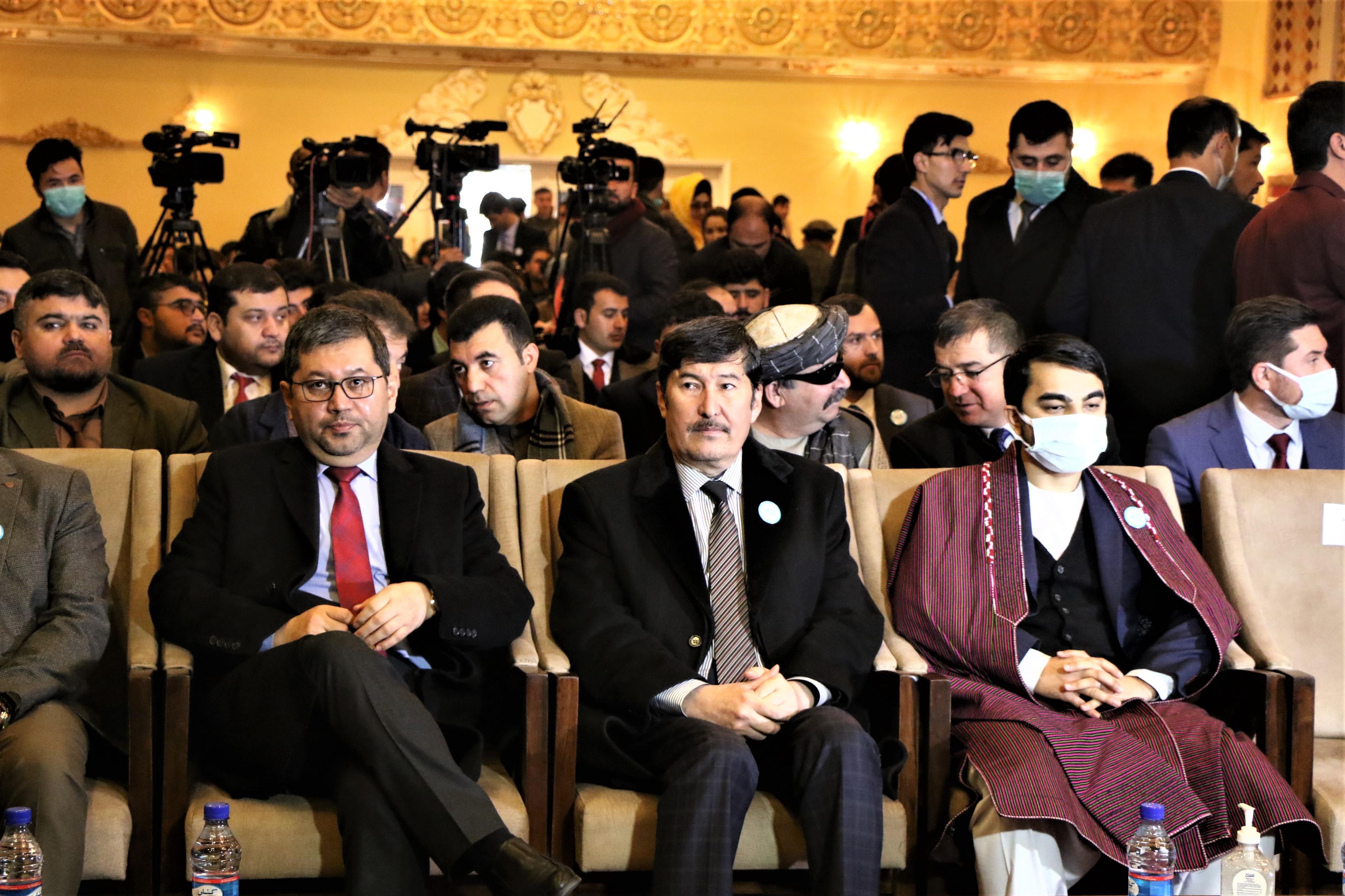 هفدهمین سالگرد رسمی شدن زبان های ازبیکی و ترکمنی